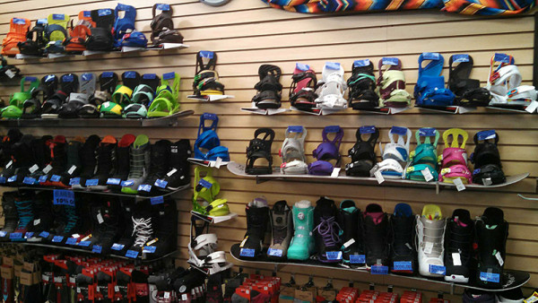 Snowboarding Bindings at Sportsmen's Den